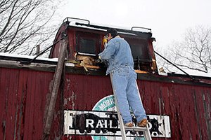MCC PRR 29 Cabin Car removing cupola 1-23-2012